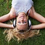 Co je podcast, jak se přihlásit k odběru a vzdělávat se na počítači i na cestách
