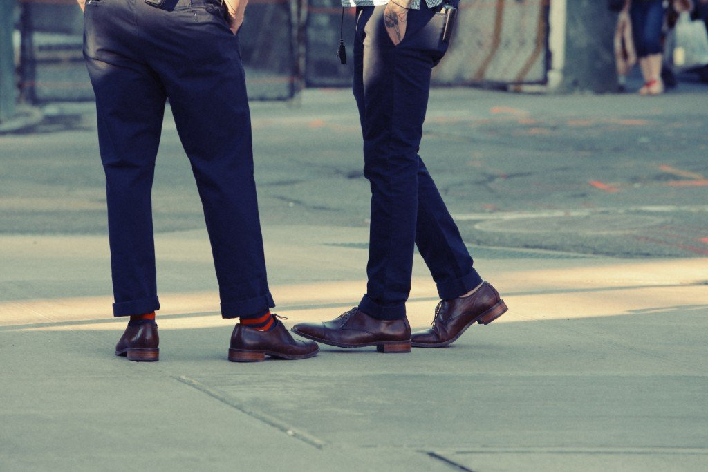 2015-05-Life-of-Pix-free-stock-photos-city-man-shoes-legs-leeroy